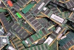Arbeitsspeicher (RAM) mit Goldkante - 17,00 / kg