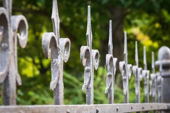Gusseien als Zaun oder Gerüst